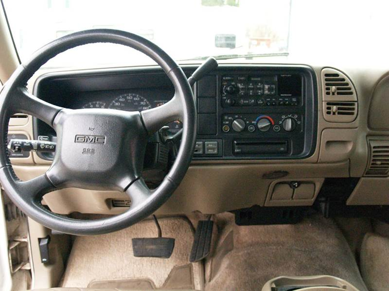 1999 GMC Suburban 4dr K1500 SLT 4WD SUV - South Sioux City NE