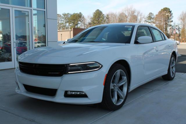 Dodge Charger 2015 White 2015 Dodge Charger Sxt 4dr