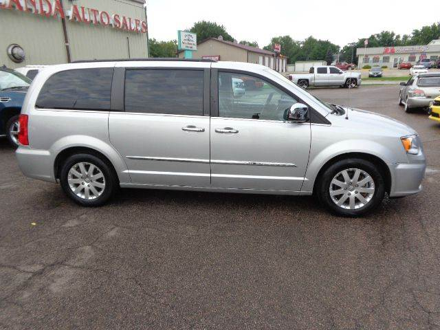 2012 chrysler town and country touring l 4dr mini van in storm lake ia de anda auto sales. Black Bedroom Furniture Sets. Home Design Ideas