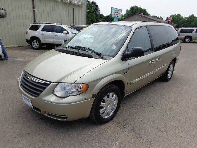 chrysler town and country for sale in storm lake ia. Black Bedroom Furniture Sets. Home Design Ideas