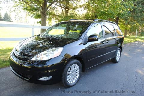 2010 Toyota Sienna for sale in Bloomington, IL