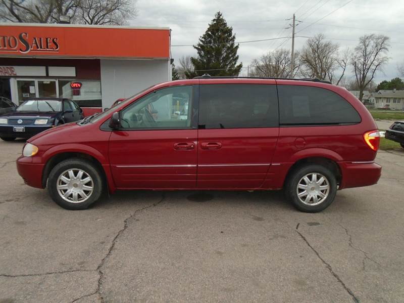 2005 chrysler town and country touring 4dr extended mini van in sioux city ia riverside auto sales. Black Bedroom Furniture Sets. Home Design Ideas