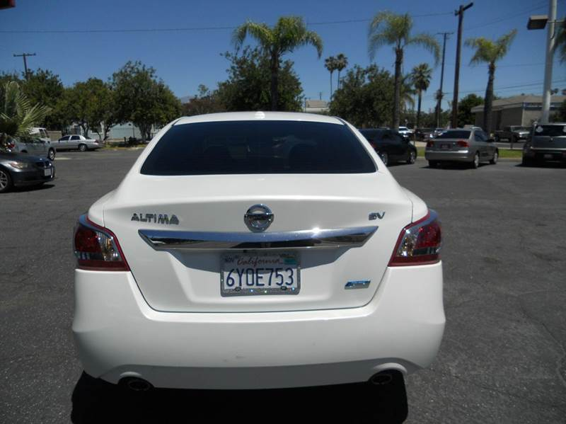 2013 Nissan Altima 2.5 SV 4dr Sedan - Redlands CA