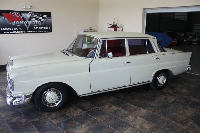 1966 Mercedes-Benz s230