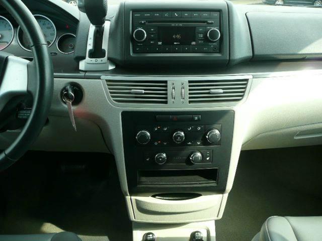 2010 Volkswagen Routan SE 4dr Mini Van - Osseo MN