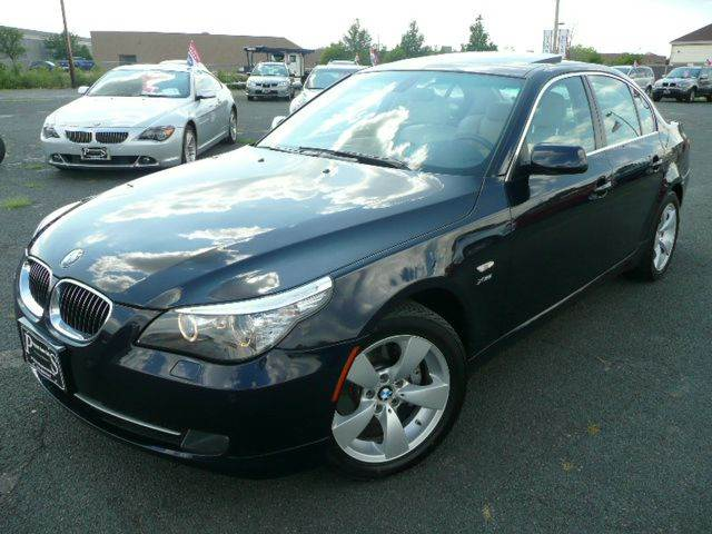 2009 BMW 5 Series 528i xDrive AWD 4dr Sedan - Osseo MN