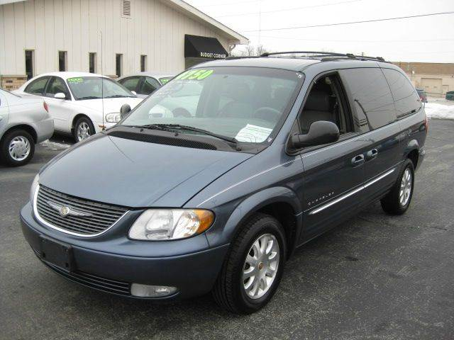 2001 chrysler town and country lxi 4dr minivan in fort wayne fort wayne kendallville e n. Black Bedroom Furniture Sets. Home Design Ideas