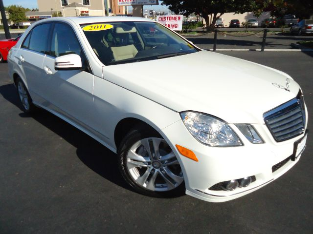 2011 MERCEDES-BENZ E-CLASS 350 white clean car fax  one owner california lease return unit with ve