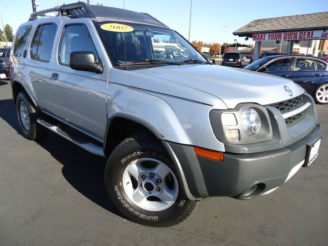 2002 NISSAN XTERRA SE 4WD silver clean car fax california unit in an excellent conditionwell care