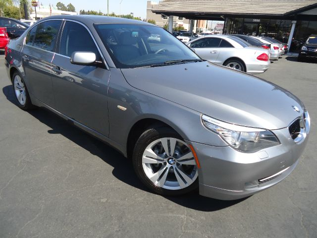 2009 BMW 5 SERIES 528I 4DR SEDAN gray here is a well maintained example of a 2009 bmw 528i this ve