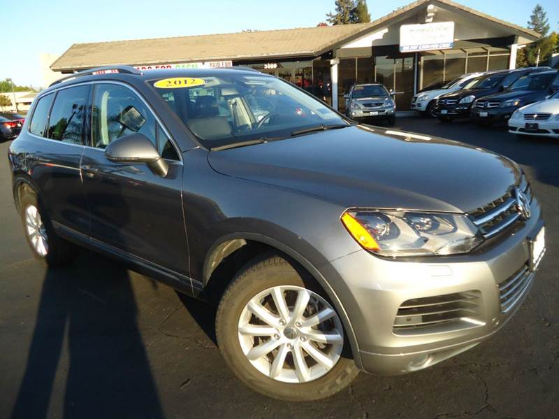 2012 VOLKSWAGEN TOUAREG VR6 SPORT AWD 4DR SUV W NAVIGAT gray 1 owner california carcomes