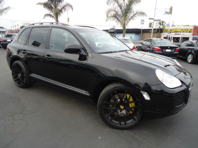 2006 PORSCHE CAYENNE TURBO S AWD 4DR SUV black one of a kind the 520 horsepower 530 foot-pound