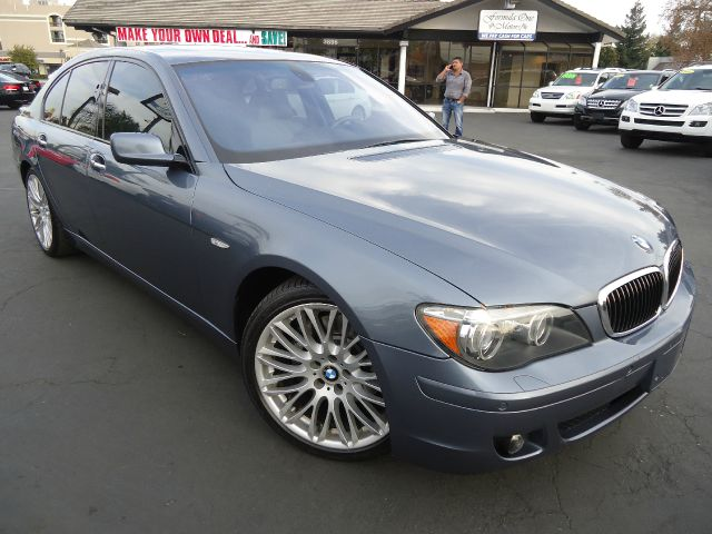 2008 BMW 7 SERIES 750I blue this is a clean car fax-sport pkg premium wheels cd multi disc navi