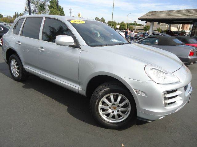 2008 PORSCHE CAYENNE TIPTRONIC AWD 4DR SUV silver drive with a style this luxurious 2008 porsch