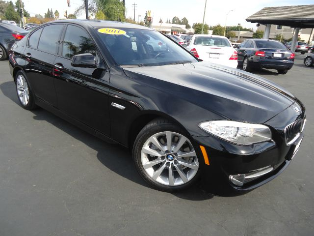 2011 BMW 5 SERIES 528I 4DR SEDAN black 1-owner california vehicle comes with manufacture warranty