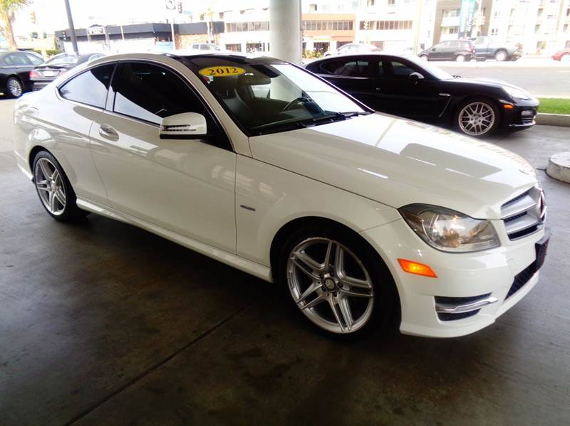 2012 MERCEDES-BENZ C-CLASS C350 2DR COUPE white clean carfax  this is a sport luxury vehicle