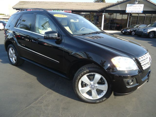 2011 MERCEDES-BENZ M-CLASS ML350 4DR SUV black loaded sport utility vehicle 1 owner california ve