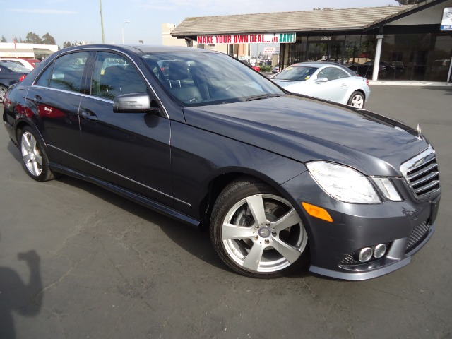 2010 MERCEDES-BENZ E-CLASS E350 SEDAN grey panoramic roof  great   vehicle has never been smoked i