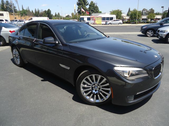 2012 BMW 7 SERIES 750I 4DR SEDAN gray clean car fax  750i trim moonroof sports leather steering