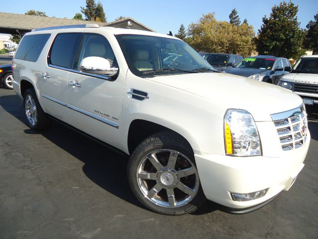 2011 CADILLAC ESCALADE ESV PREMIUM AWD 4DR SUV pearl white fully loaded 1 owner california car