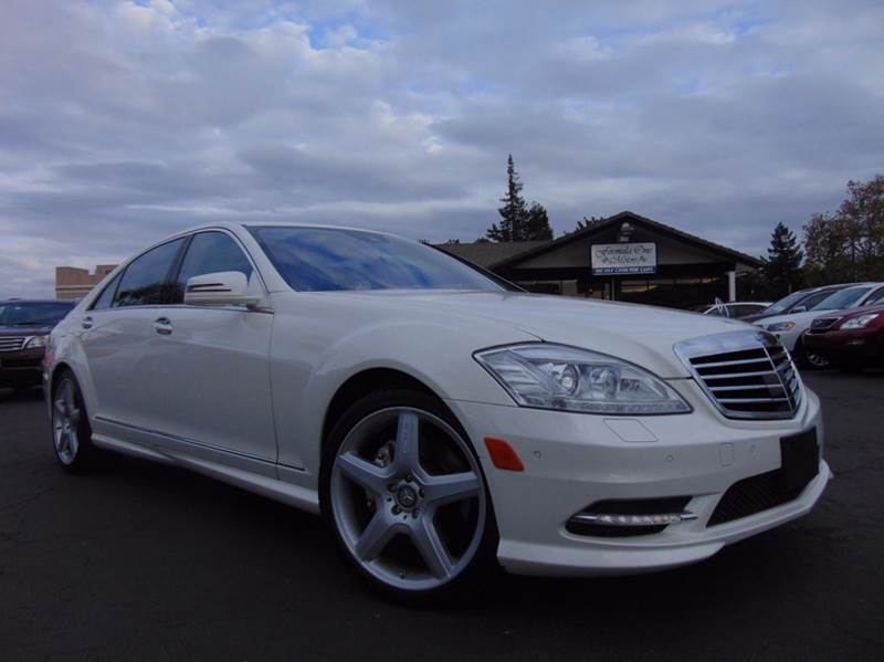 2013 MERCEDES-BENZ S-CLASS S 550 4DR SEDAN white this is a clean car fax loaded s550california