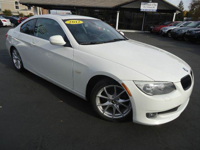 2012 BMW 3 SERIES 328I 2DR COUPE SULEV white looking for a great deal look no further this one o