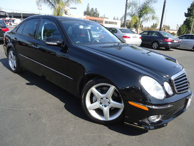 2009 MERCEDES-BENZ E-CLASS E350 4DR SEDAN black this is a well maintained low mileage examplep