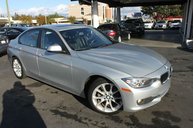 2014 BMW 3 SERIES 320I 4DR SEDAN silver this is a 1 owner clean car faxthis car comes with navig