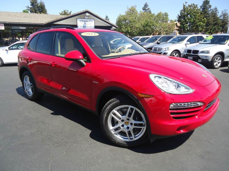 2014 PORSCHE CAYENNE DIESEL AWD 4DR SUV red 1 owner clean carfaxcomes with the remainder of