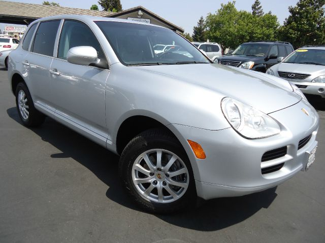2006 PORSCHE CAYENNE TIPTRONIC AWD 4DR SUV silver looking for luxury performance and elegant suv