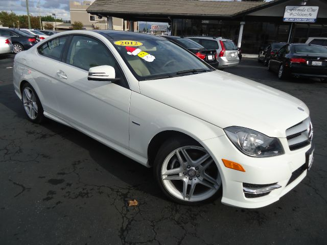 2012 MERCEDES-BENZ C-CLASS C250 2DR COUPE white clean car fax 1 owner navigation system  panor