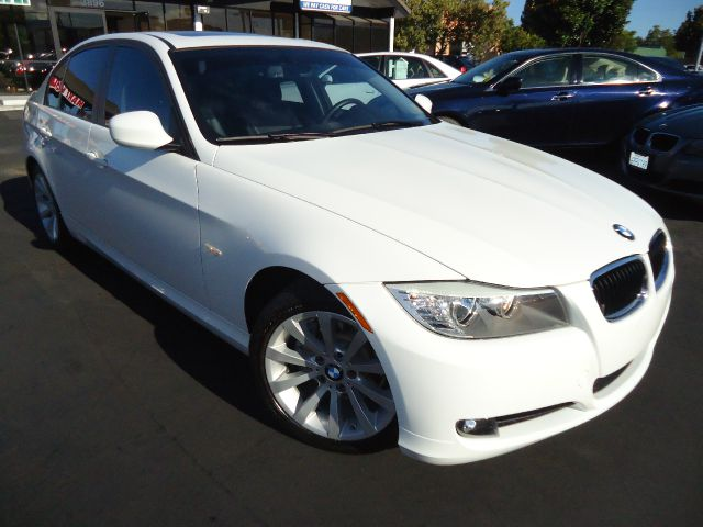 2011 BMW 3 SERIES 328I alpine white clean car fax california  corporate car in great conditioncom