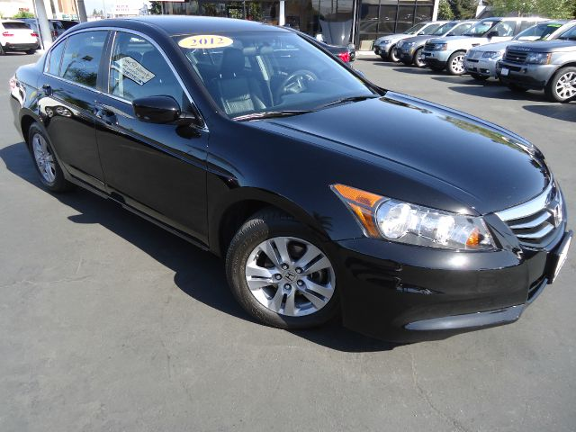 2012 HONDA ACCORD SE SEDAN AT crystal black pearl clean car one owner carfax black on black very