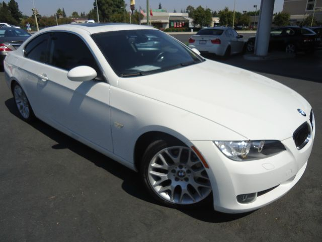 2007 BMW 3 SERIES 328I 2DR COUPE white beautiful color combination white on black loaded with spor