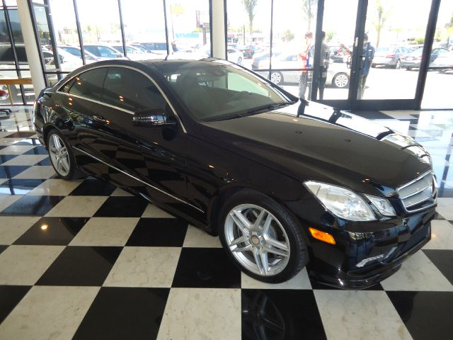 2011 MERCEDES-BENZ E-CLASS E550 2DR COUPE black 1 owner  loaded navigation back up cam