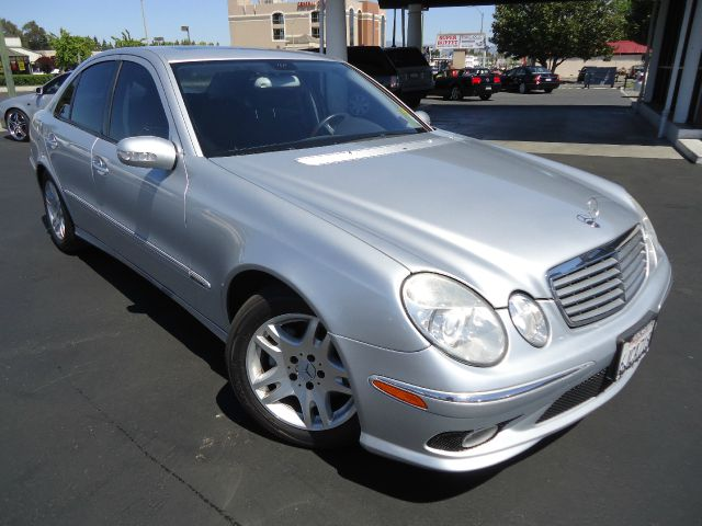 2006 MERCEDES-BENZ E-CLASS E350 silver california car clean car faxlooking for a nice clean luxur