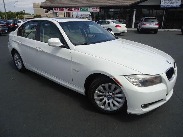 2009 BMW 3 SERIES 328I 4DR SEDAN SA SULEV white excellent color combination  1 owner comes