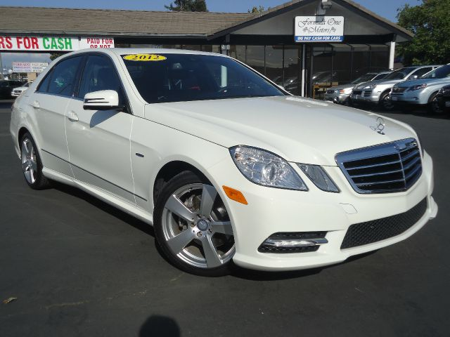 2012 MERCEDES-BENZ E-CLASS E350 SPORT 4DR SEDAN white loaded navigation system back-up cam