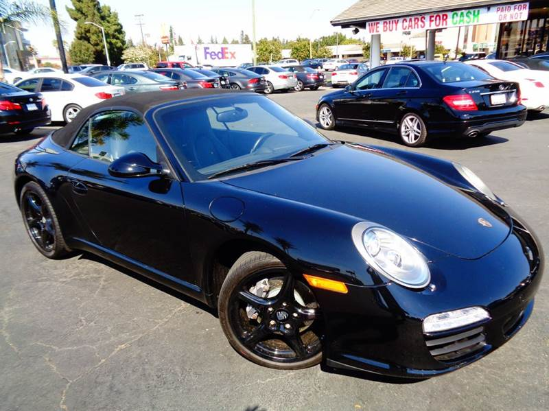 2009 PORSCHE 911 CARRERA 2DR CONVERTIBLE black clean carfax  extremly low miles  carrera 91