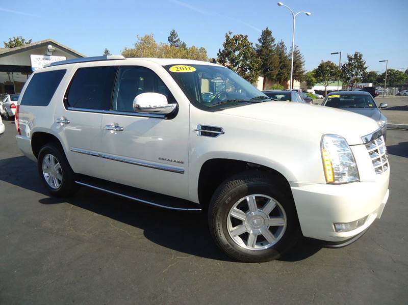 2011 CADILLAC ESCALADE BASE 4DR SUV white 2-stage unlocking - remote abs - 4-wheel active head