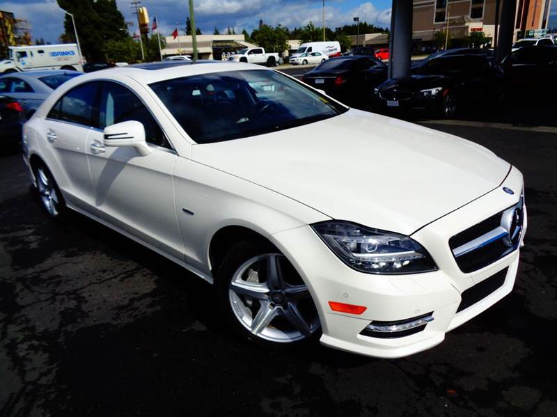 2012 MERCEDES-BENZ CLS CLS550 4DR SEDAN white fully loaded  clean carfax navigation system