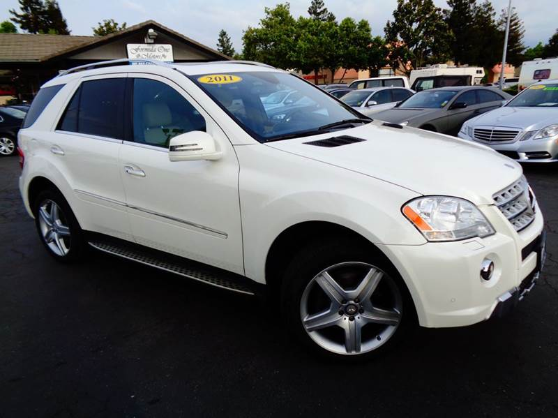 2011 MERCEDES-BENZ M-CLASS ML550 AWD 4MATIC 4DR SUV white clean california carfax loaded na