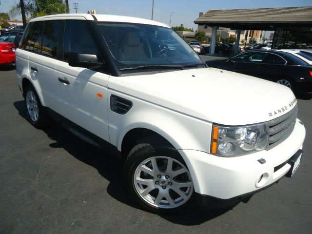 2008 LAND ROVER RANGE ROVER SPORT HSE 4X4 SUV white luxuryperformance and stylish this 2008 l