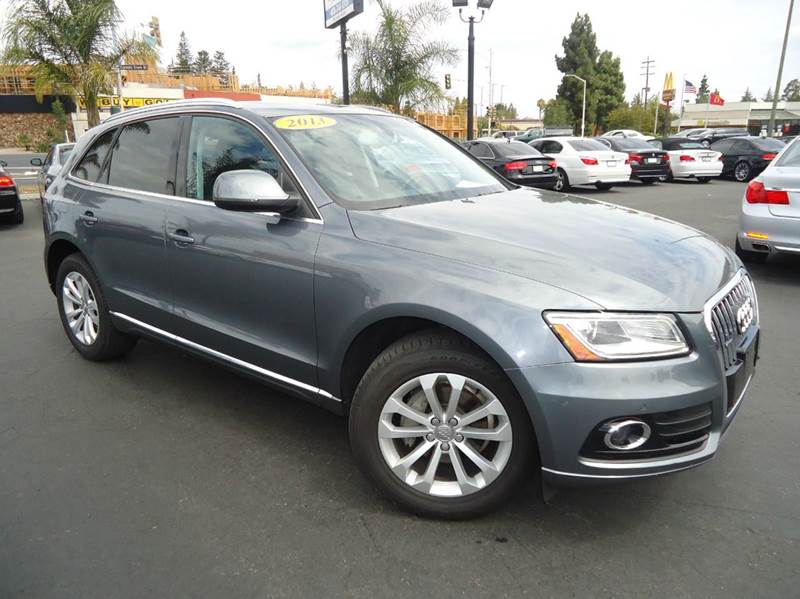 2013 AUDI Q5 20T QUATTRO PREMIUM PLUS AWD 4D gray 1 owner comes with the remainder of the man