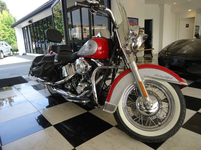 2002 HARLEY-DAVIDSON HERITAGE SOFTAIL CLASSIC SOFTAIL red styled to recall the past the heritage s
