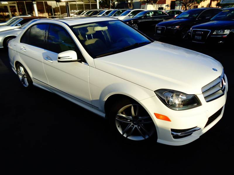 2013 MERCEDES-BENZ C-CLASS C250 SPORT 4DR SEDAN white 1 owner clean carfax this vbehicle comes