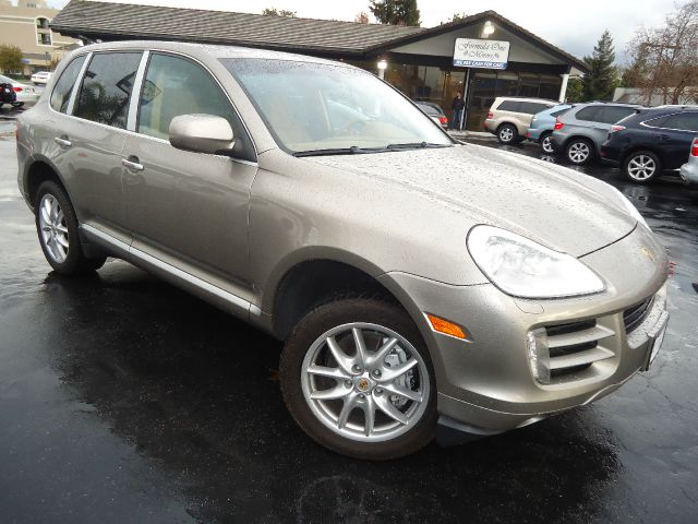 2009 PORSCHE CAYENNE S AWD 4DR SUV champain looking for luxury sport and performance look no fur
