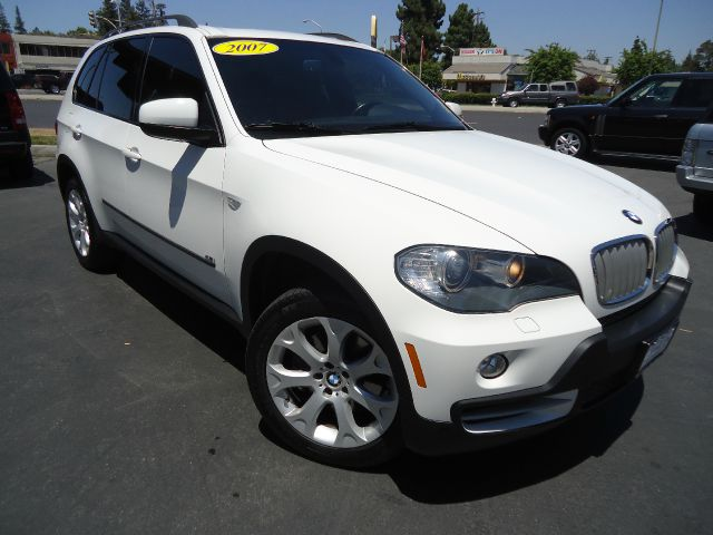 2007 BMW X5 48I alpine white clean car fax california unitlooking for an alpine white with pano