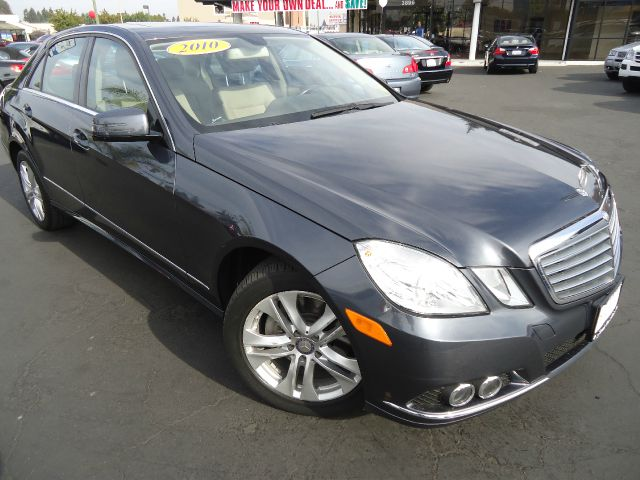 2010 MERCEDES-BENZ E-CLASS E350 SEDAN indium gray metallic exceptionally clean inside and out bea