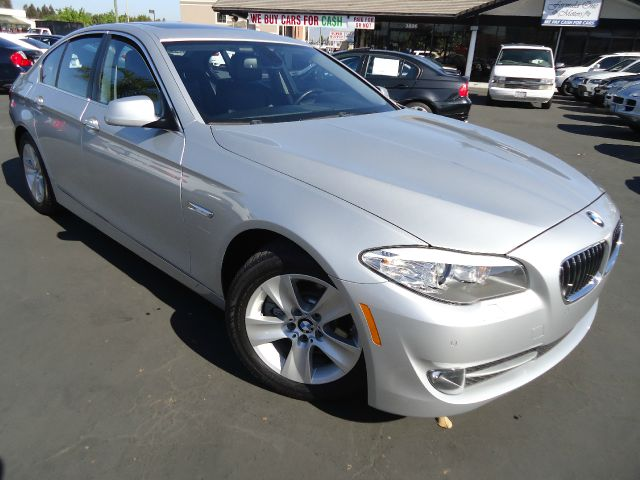 2011 BMW 5 SERIES 528I titanium silver metallic this 5 series is completely equipped heated front